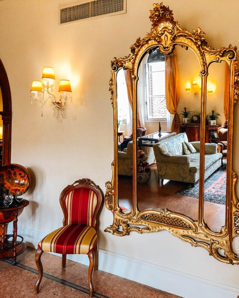 Lobby Hotel Pendini
