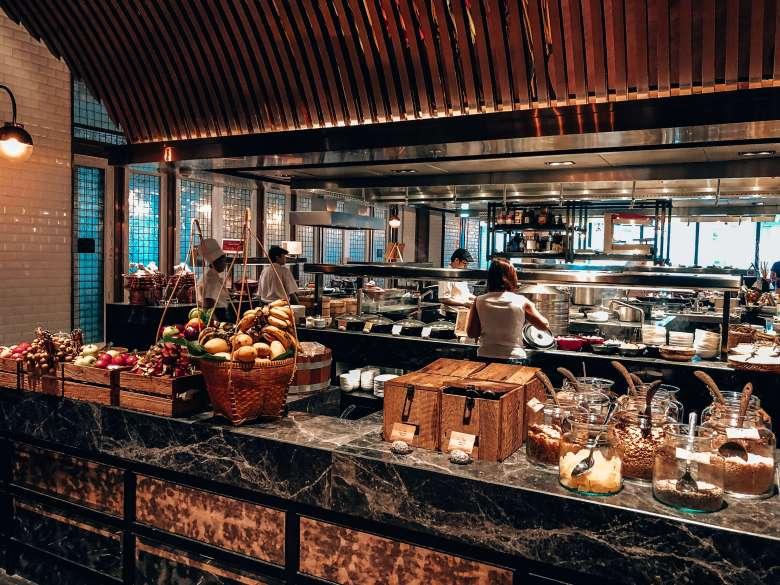 Breakfast buffet restaurant Bangkok Marriott Hotel Surawongse