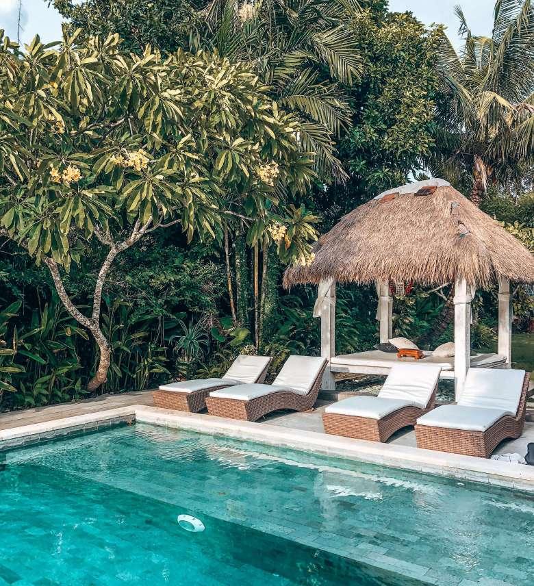 Villa Karisa pool